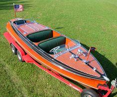 Classic Boats - 1940 23' Chris Craft Barrel Back