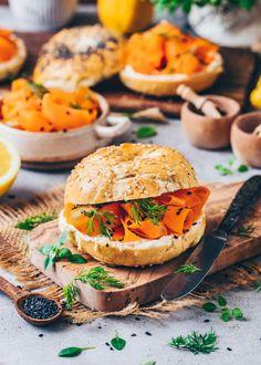 Vegan Carrot Lox Recipe (Smoked Salmon) - Bianca Zapatka | Recipes Homemade Ravioli, Homemade Bagels, Carrot Lox, Lox Recipe, Sweet Potato Veggie Burger, Lox And Bagels, Vegan Fish, Smoked Salmon, Vegetarian Recipes