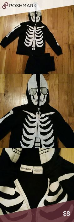 NWOT - washed never worn skeleton hoodie & pants Great for this time of year, skeleton hoodie zips up matching pull up pants.  Bought for Halloween a few years ago but pants were too big on my son. kids r us Matching Sets