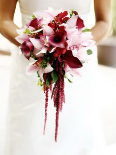 Teardrop Bridal Bouquets | Wedding bouquet in the form of drops of pink orchids.