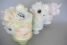 Watercolour & Wafer Paper Flowers by Sweet Tiers Wafer Paper Flowers, Wafer Paper Cake, Edible Flowers, Sugar Flowers, Watercolor Cake, Fondant Tutorial, Painted Cakes, Colorful Cakes, Little Cakes