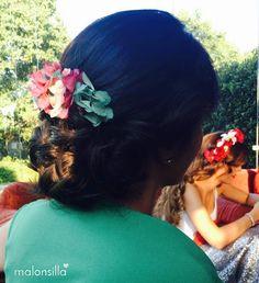 Marta de boda con peineta de flores preservadas Virginia by Malonsilla