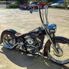 Nice!! I wish I could see a closeup of the work on the seat. #harleydavidsoncustom883