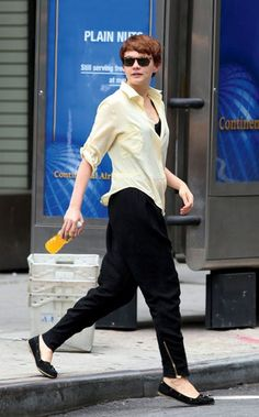 Carey Mulligan rocking street clothes with cool sunglasses