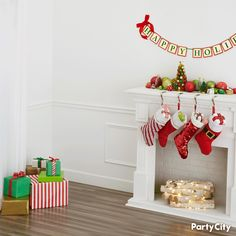 The Green Balloon Christmas Tree Kit includes balloons, two kegs of curling ribbon, and a gold star foil balloon. Decorate for a Christmas gathering with this balloon kit. Christmas Tree Kit, Christmas Photos, Tree Decorations, Christmas Decorations, Holiday Decorating, Balloon Tree, Barbie House, Foil Balloons, Festive
