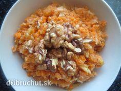 Fotorecept: Mrkvovo-cuketový šalát s vlašskými orechami
