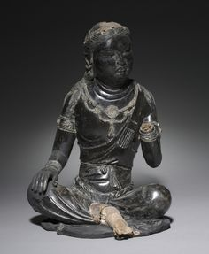 Bodhisattva, 700s China, Tang dynasty (618-907) dry lacquer