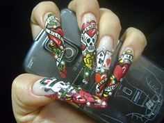 Hate stiletto nails.... LOVE the design!