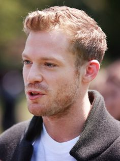Australian actor Sam Reid at the Burberry Prorsum menswear show Sam Reid, Sam Worthington, R Man, Australian Actors, Ginger Men, Burberry Prorsum, Got The Look, Love At First Sight, Most Beautiful Man