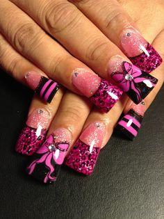 Lacey bows and p!nk cheetah Nails #duckfeet