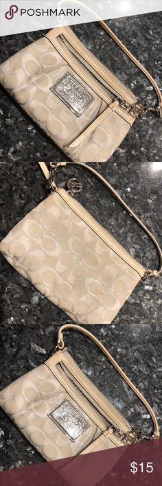 Coach purse Coach purse in not bad condition! Used condition. Coach Bags Clutches & Wristlets