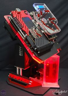 *Mod of the Year 2011 ROG Rampage by Nguyen Dinh Ban (nhenhophach) Build A Pc, Gaming Pc Build, Computer Build, Computer Setup, Computer Case, Gaming Setup, Gaming Computer, Pc Gamer, Watercooling Pc