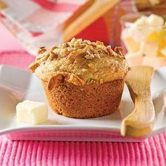 Muffins à la compote de pommes - Recettes - Cuisine et nutrition - Pratico Pratiques - Dessert Healthy Meals For Kids, Healthy Sweets, Healthy Dessert Recipes, Bran Muffins, Breakfast Muffins, Croissants, Desserts With Biscuits, Muffin Bread, Healthy Muffins