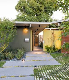Beautiful, low-maintenance entry way. DWELL KREADEN RESIDENCE , SUNNYVALE, CA