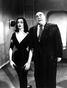 Vampira and Tor Johnson in Plan 9 From Outer Space