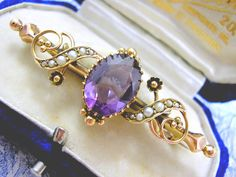 Royal Purple Amethyst Beautiful Victorian Gold Brooch with Dainty Gold Flowers circa 1880
