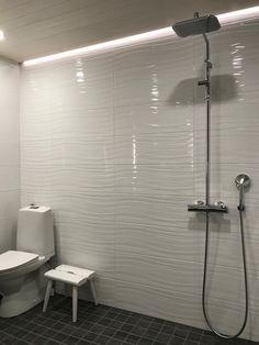 Lake Bathroom, Bathroom Renos, Bathroom Shelves, Bathroom Wall, Small Bathroom, Shower Remodel, Luxury Bath, Contemporary Bathrooms, Cafe Design