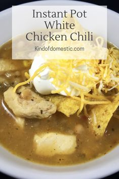 White Chicken Chili in the Instant Pot - Kind of Domestic White chicken chili is a hearty, flavorful main dish that the whole family will love, and thanks to the instant pot it's perfect for a weeknight meal. Roast Chicken Recipes, Crockpot Recipes, Soup Recipes, Dinner Recipes, White Chicken Chilli, Chicken Chili, Instant Pot Pressure Cooker, Pressure Cooker Recipes, Pressure Cooking