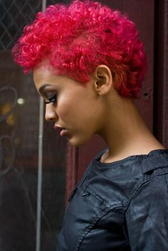 dark pink short hair. looks awesome with her skin tone.