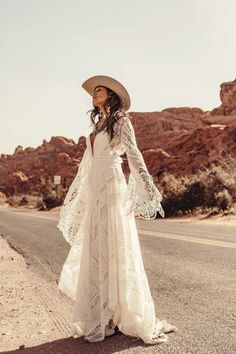 A sneak peak at the brand new modern and romantic boho wedding dress collections, Moonrise Canyon from Rue De Seine available exclusivley at our bridal shops. Bohemian Wedding Dresses, Boho Bride, Bohemian Weddings, Country Western Wedding Dresses, Hipster Bride, Boho Wedding Shoes, Western Style, Vestidos Country, Bridal Gowns