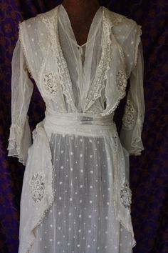 Antique Edwardian dress nett muslin lace by oceannegypsyvintage, Edwardian Dress, Edwardian Era, Edwardian Fashion, Vintage Fashion, 1914 Fashion, Vintage Beauty, Modern Fashion, Victorian, Antique Clothing
