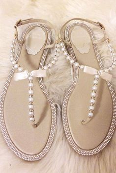 f8a44a7421208 Love Love Love these Sandals! Would be great for a Beach Wedding ...