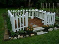 Garden design, see this handy pin design reference 3657462279 here. Landscaping Plants, Outdoor Landscaping, Front Yard Landscaping, Outdoor Gardens, Cottage Garden Design, Vegetable Garden Design, Garden Art, Diy Garden Fountains, Growing Gardens