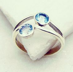 #philtrum #gold #raw #sweat #ipopyou #women #Nostalgic #ring #silver #gemstone #topaz #blue #handmade #gems #jewelry #riyo #jualaplikasi #makeupartist #jaipur