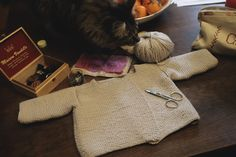 Brassière taille naissance - Phildar - Automne-hiver 2017/18, n°147. Crochet, Straw Bag, Burlap, Creations, Reusable Tote Bags, Knits, Birth, Fall Winter, Human Height