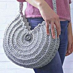 Marvelous Crochet A Shell Stitch Purse Bag Ideas. Wonderful Crochet A Shell Stitch Purse Bag Ideas. Bag Crochet, Crochet Shell Stitch, Crochet Diy, Crochet Handbags, Crochet Purses, Love Crochet, Purse Patterns, Crochet Patterns, Crochet Shoulder Bags