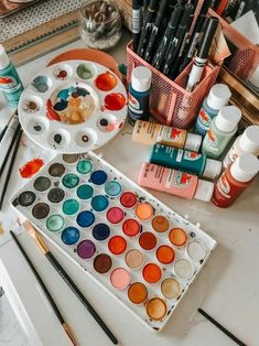 paint/paints/painting/art/crafts/arts and crafts/art painting/ /crafting/artsy/colors/colorful paints/ Art Hoe Aesthetic, Aesthetic Painting, Aesthetic Vintage, Aesthetic Black, Dibujos Zentangle Art, Paint Brushes, Wall Collage, Love Art, Aesthetic Pictures