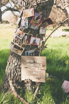 love this photo and sign idea http://www.weddingchicks.com/2013/09/11/vintage-diy-wedding-3/