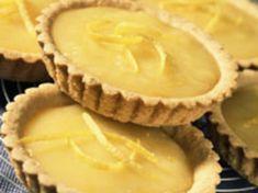 Découvrez la recette Tartelettes au citron sur cuisineactuelle.fr.