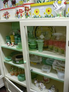 Vintage Display - so much to love ♥