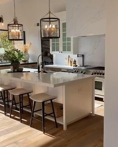 Open Kitchen And Living Room, Open Plan Kitchen Living Room, Kitchen Room Design, Kitchen Cabinet Design, Modern Kitchen Design, Kitchen Layout, Home Decor Kitchen, Interior Design Kitchen, Home Kitchens