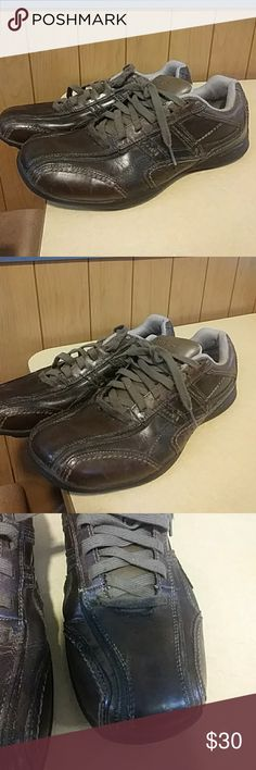 SKECHERS mens  MEMORY FOAM LEATHER sneakers brown SIZE 9  Great condition!  Clean inside. Clean soles.  Toes are not scuffed Skechers Shoes Sneakers