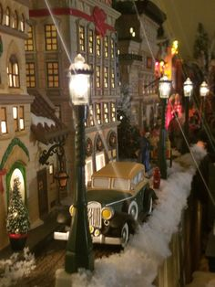 2017 dept 56 christmas in the city display - Dept 56 Christmas Village