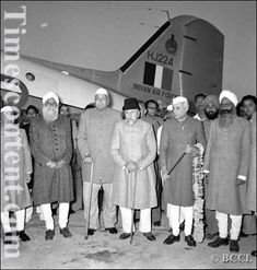 History Pics, World History, Kashmir India, Best Places To Live, Mahatma Gandhi, My People, Urdu Poetry, Royals, Personality