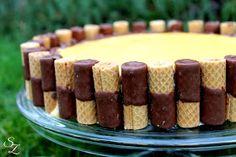 Hallo ihr Lieben :) Heute habe ich eine ganz besonders hübsche Torte für euch die auch noch genial schmeckt. Eierlikör ist eigentlich ...