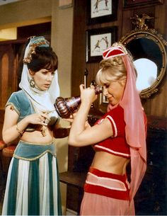 i dream of Jeannie (Barbara Eden with her stand in)