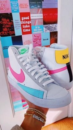 Cute Sneakers, Adidas Sneakers, Swag Shoes, Kicks Shoes, Hype Shoes, Dream Shoes, Trendy Shoes, Adidas Stan Smith, Shoe Game