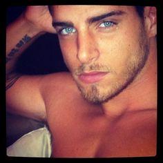 i get lost in those eyes....   umm 'ello :)