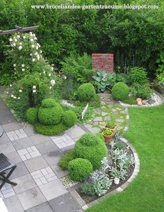 Interesting And Minimalist Garden Design Ideas. Below are the And Minimalist Garden Design Ideas Back Gardens, Small Gardens, Outdoor Gardens, Backyard Garden Design, Backyard Landscaping, Landscaping Ideas, Amazing Gardens, Beautiful Gardens, Beautiful Beds