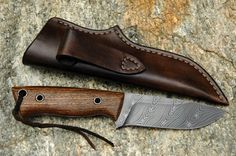 Custom Handmade Damascus Steel EDC Hunting Skinning Knife Overall Length inches Handle Made Of Walnut Wood Razor Sharp Blade And Holds an Edge Comfortable Handle Grip Comes With Leather Sheath Cool Knives, Knives And Tools, Knives And Swords, Damascus Knife, Damascus Steel, 2x72 Belt Grinder Plans, Knife Making Tools, Skinning Knife, Best Hunting Knives
