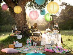 {romantic picnic}
