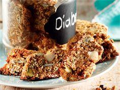 Dié lae-GI-beskuit word gemaak soos biscotti en is ideaal vir diabete. Onthou net, dis nie so bros soos gewone beskuit nie en moet goed in jou koffie of tee geweek word. Healthy Breakfast Snacks, Healthy Treats, Healthy Baking, Breakfast Recipes, Healthy Food, Sugar Free Recipes, Baking Recipes, Diabetic Recipes, Low Carb Recipes