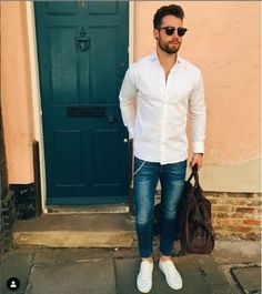 18 Men's Easter Outfits He'll Look On-Point In Urban Fashion, Daily Fashion, Men's Fashion, Fashion Guide, Casual Jeans, Men Casual, Casual Chic, Casual Outfits, Streetwear