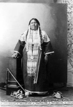 Nellie Gates - Hunkpapa - circa 1910
