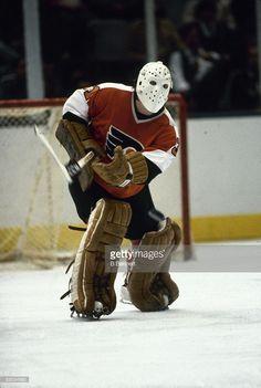 Ice Hockey 828169818964824932 - swedish-ice-hockey-player-pelle-lindbergh-goalkeeper-for-the-flyer Flyers Hockey, Ice Hockey Players, Hockey Goalie, Hockey Games, Hockey Sport, Hockey Pictures, Philadelphia Sports, Goalie Mask, Lindbergh