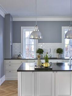 Kitchen Cabinet Colors, Kitchen Pantry, Kitchen Colors, New Kitchen, Kitchen Cabinets, Home Decor Kitchen, Kitchen Interior, Modern Country Kitchens, Beach House Decor